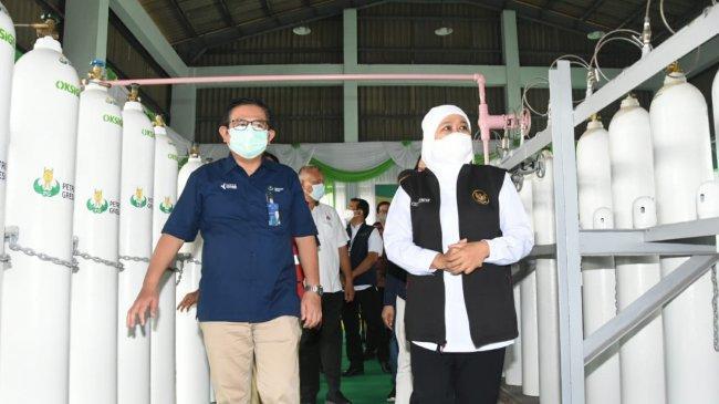 Kebutuhan Melonjak, Gubernur Khofifah Tinjau Unit Produksi Oksigen di Gresik