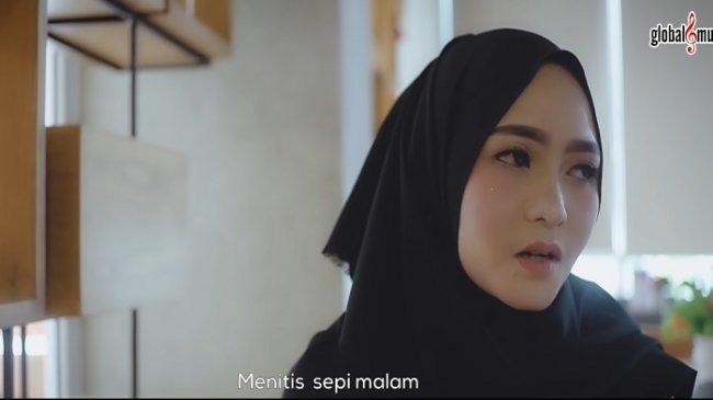 Chord Gitar Lagu Terdiam Sepi - Nazia Marwiana, Ciptaan Adi Bugak