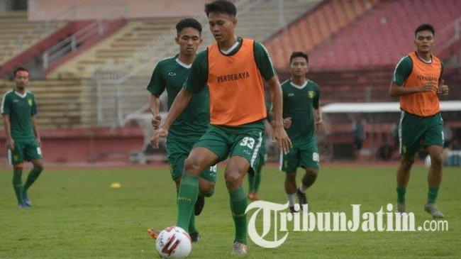 Bikin Kaget Aji Santoso, Bek Persebaya Jadi Penyerang di Timnas U-23 dan Cetak Gol!