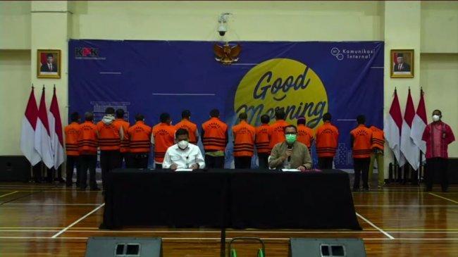 5 Pejabat Kades Kasih Uang ke Camat Kemudian Diserahkan ke Hasan Aminuddin Suami Puput