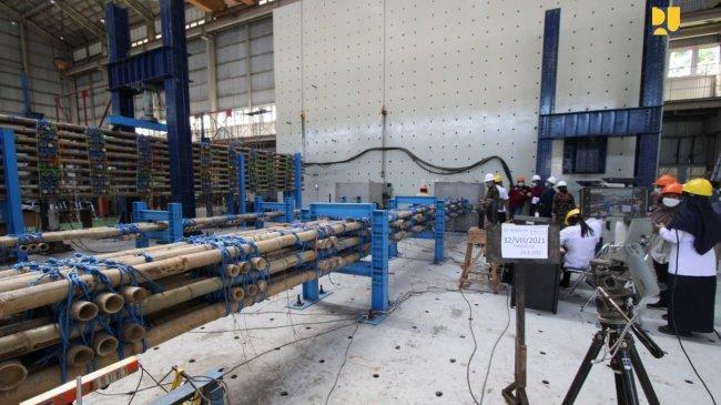 Kementerian PUPR Ingin Gunakan Bambu untuk Dasar Konstruksi Tol Semarang - Demak