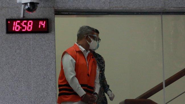 Korupsi Cukai, KPK Perpanjang Masa Penahanan Bupati Nonaktif Bintan Apri Sujadi