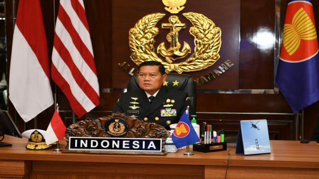 Dampingi KSAL, Rektor IPDN Terjunkan Satgas Vaksinasi Covid-19 Papua