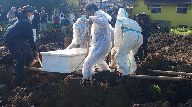 Tertinggi saat Pandemi, Ada 270 Jenazah Dimakamkan Menggunakan Protap Covid-19 pada 29 Juni