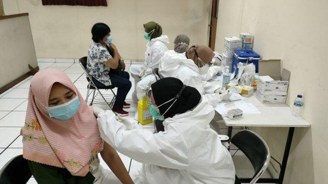 Laskar Juang RDP, Pemkab dan Polres Bekasi Gulirkan Program Vaksinasi Buruh Pabrik di Cikarang