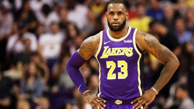 Hasil NBA - Pimpin LA Lakers Hempaskan GSW, LeBron James: Saya Sempat Lihat 3 Ring Basket