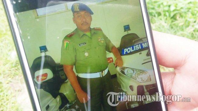 Danpuspom TNI Menangis Saat Lepas Jenazah Letkol Dono