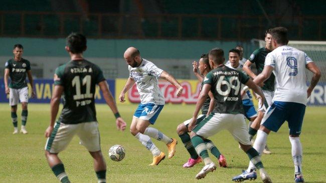 Di Tengah Paceklik Masih Ada Pujian, Robert Alberts Punya Waktu Benahi Permainan Persib Bandung