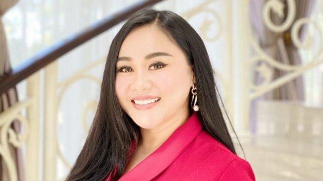Influencer Linda Wan Cerita Perjalanannya Karier, Dari Penyulam Alis hingga Jadi Pengusaha
