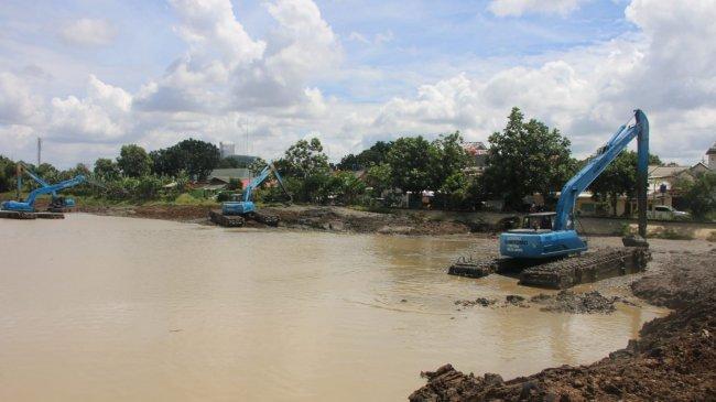 Optimalkan Kapasitas Air, Pemprov DKI Naturalisasi Waduk dengan Program Gerebek Lumpur di 31 Lokasi