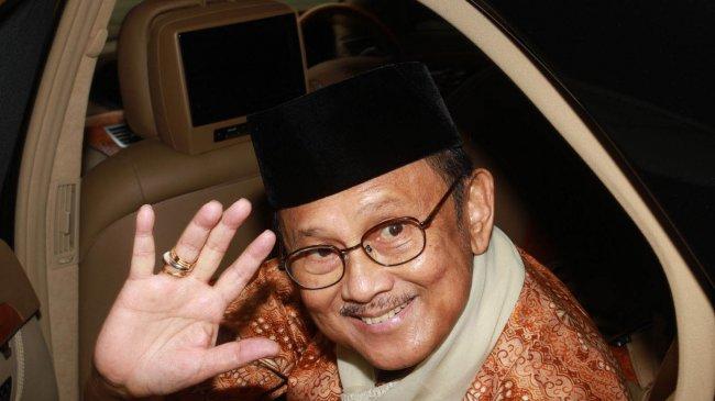 Kisah Habibie Berdebat dengan Soeharto dan Ucapan Soeharto yang Menjadi Kenyataan