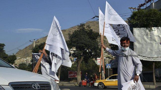 Taliban Kibarkan Bendera di Istana Presiden saat Peringatan 20 Tahun Serangan 9/11