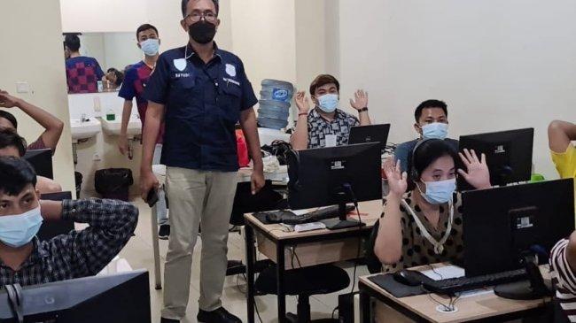 Kantor Pinjol Digerebek di Cengkareng, Polisi Beberkan Peran 56 Karyawan