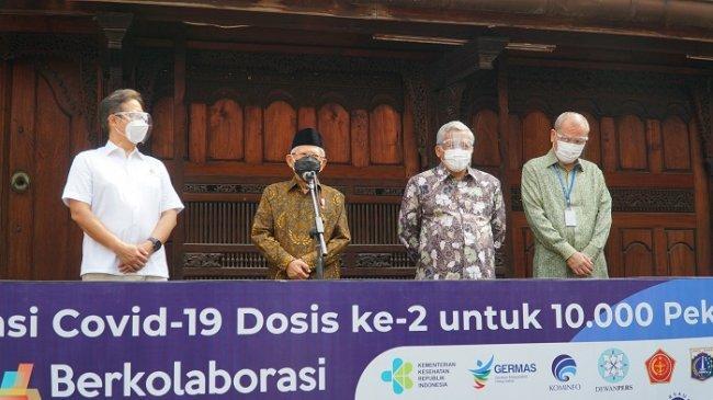 Wapres Ma'ruf Amin Tinjau Vaksinasi Covid-19 Dosis ke-2 Bagi 10.000 Pekerja Media di Bentara Budaya