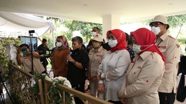 Sabam Sirait Sang Ideolog dan Idealis di Mata TBH, Ning dan Kader