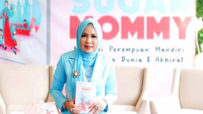 Kehidupan Inspiratif Ely Kasim hingga Melly Goeslow Dibahas Jes Tanjung di Buku Sugar Mommy