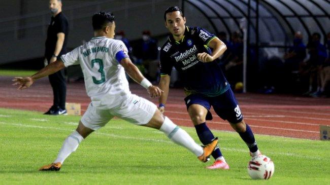 Prediksi Susunan Pemain Persib Bandung vs Barito Putera di Liga 1 2021, Aksi Ezra Walian