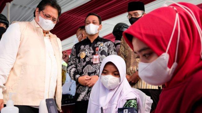 Menko Airlangga: Pemerintah Terus Upayakan Akselerasi Vaksinasi