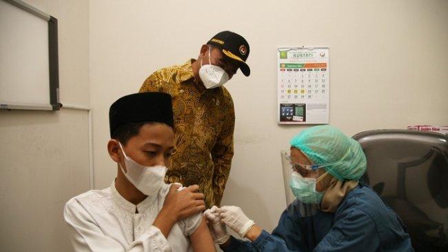 Pergerakan Orang Tinggi, Menko PMK Minta Vaksinasi di Solo Raya Digencarkan