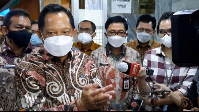 Mendagri Tito Karnavian Imbau Masyarakat Tidak Euforia Sikapi Turunnya Kasus Positif Covid-19