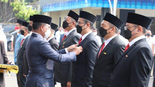 Tujuh Karyawan TelkomGroup Dianugerahi Tanda Kehormatan Satyalancana