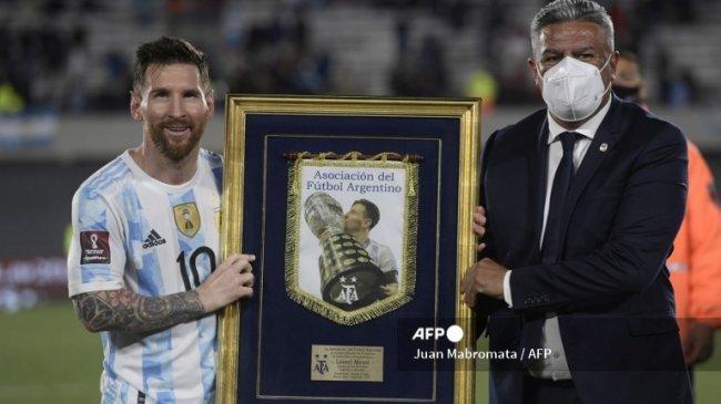 Argentina Taklukkan Uruguay 3-0, Leo Messi, De Paul, Lautaro Martinez Cetak Gol. Penghargaan Messi