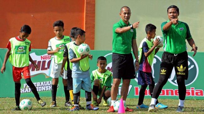 Teka-teki Pengganti Mario Gomez, Kurniawan Dwi Yulianto Balik ke Borneo FC?