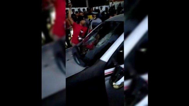 Pengemudi Mobil Minibus di Garut Jadi Sasaran Warga usai Tabrak Lari