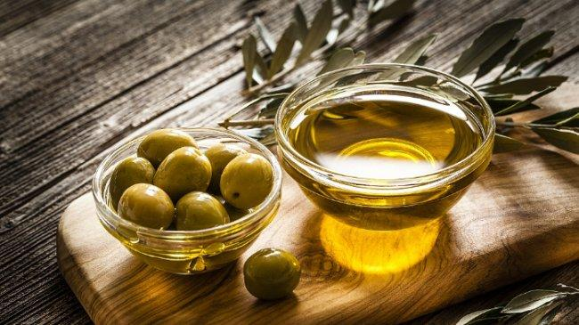 10 Manfaat Minyak Zaitun untuk Perawatan Wajah, Kuku, Rambut dan Kulit
