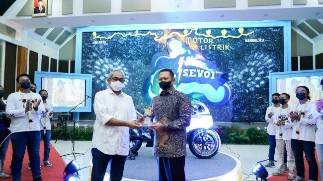 Bamsoet Apresiasi Motor ListrikBL-SEV 01 Sukses Touring Jakarta-Mandalika