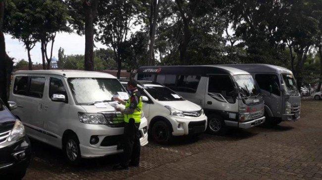 Terdampak Pandemi, Pengemudi Travel Alih Profesi Jadi Pedagang Talas Bogor