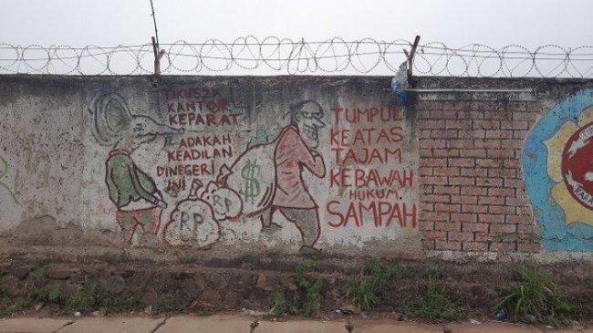 Muncul Mural Tumpul ke Atas Tajam ke Bawah di Serpong, Warga Tak Merasa Terganggu