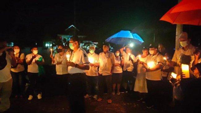 Aksi Solidaritas Buat Gabriela yang Tewas Dibunuh KKB, Diisi Penyalaan Lilin dan Pembacaan Puisi