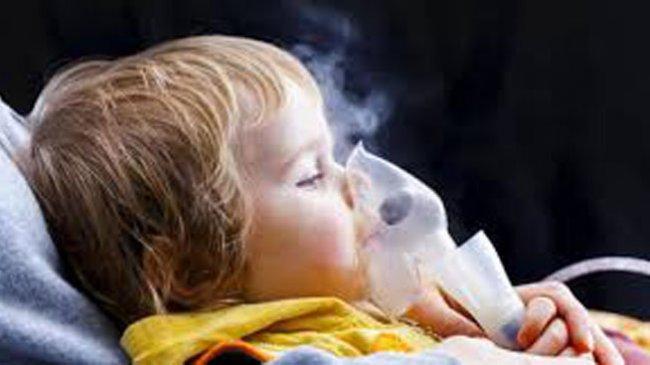 Tidak Seperti Inhaler, Memakai Nebulizer Tidak Perlu 'Tarik Nafas Dalam-dalam'