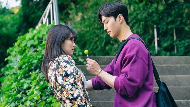 Chord Lagu Love Me Like That - Sam Kim, Soundtrack Drakor Nevertheless, Dilengkapi Liriknya