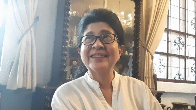 Usai Jadi Menteri Kesehatan, Nila Moeloek Bisa Jalan Pagi dan Pakai Jeans Lagi