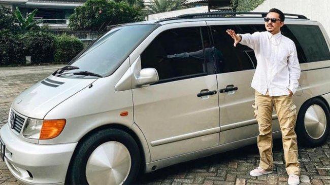 Omesh Ubah Mobil Pribadi Jadi Ambulans untuk Bantu Pasien Covid-19