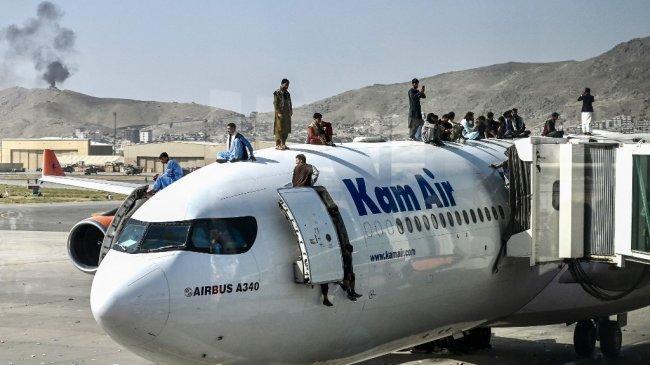 Di Balik Penarikan Pasukan AS: Taliban Kawal Warga AS ke Gerbang Rahasia Bandara Kabul