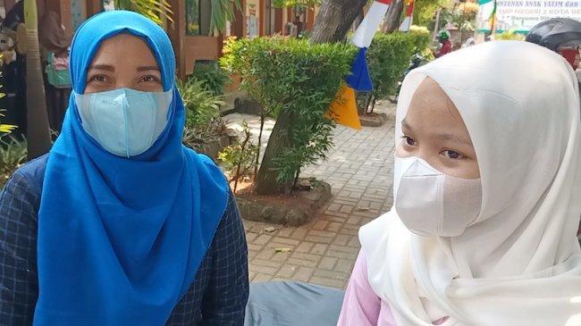 Hari Pertama PTM Orang Tua Murid SMPN 2 Kota Bekasi Merasa Senang
