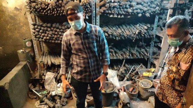 Pabrik Sokbreker Bekas di Kemayoran Digerebek, Ada Garis Polisi, Pemilik dan Pekerja Diperiksa