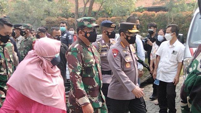 Panglima TNI Puji Nakes yang Kerja Siang Malam Tanpa Kenal Hari Libur untuk Percepatan Vaksinasi