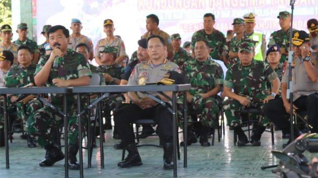 Panglima Hadi Tjahjanto Apresiasi Prajurit TNI-Polri Bantu Korban Banjir Bandang Sentani