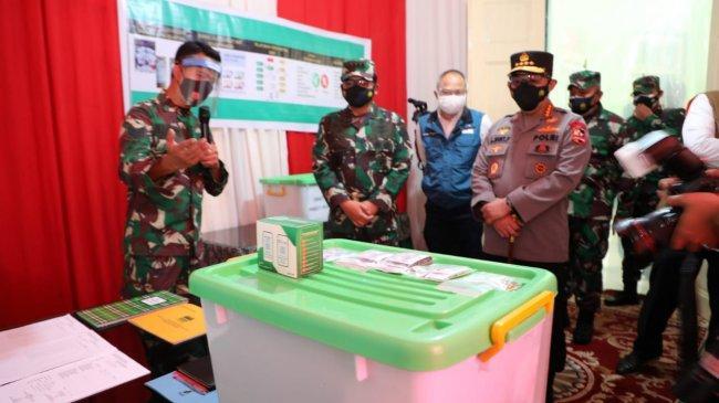 Panglima TNI Cek Standar Penyimpanan Paket Obat Gratis Pemerintah di Kodim 0618 Bandung