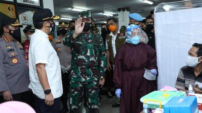 Kapuskesmas Cipayung Curhat Kurang Nakes Vaksinator, Panglima TNI Siap Beri Bantuan