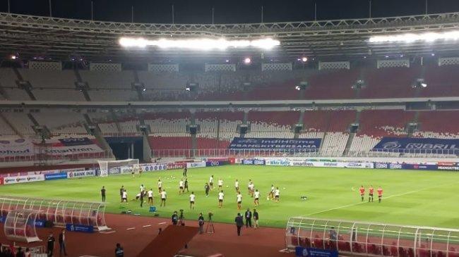 Sebelum Kick Off, Pemain Bali United dan Persik Kediri Lakukan Pemanasan Bareng di SUGBK