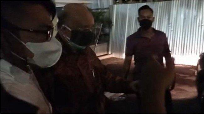 Dokter Keluarga Akidi Tio Bungkam Setelah Jalani Pemeriksaan Selama 7 Jam Terkait Hibah Rp 2 Triliun