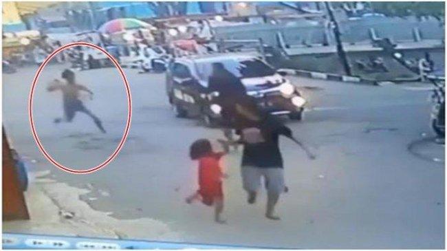 Pemalak di Jalan Radial Nekat Kejar Korbannya Sambil Membawa Pedang