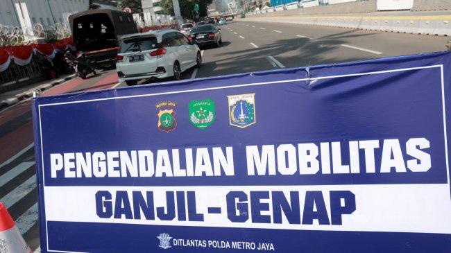 Meski Dilanjutkan, Polisi Belum Terapkan Sanksi Tilang Dalam Ganjil-Genap di Jakarta