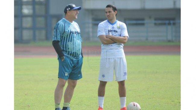Robert Alberts Pertanyakan Kinerja Wasit Saat Persib Bandung Ladeni Borneo FC