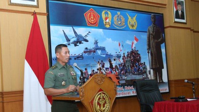Kapuspen TNI Buka Pelatihan Kamera Video Jurnalistik